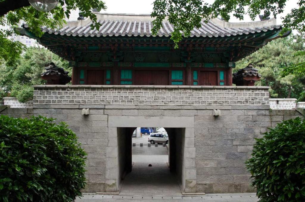 west-gate-DSC_4756