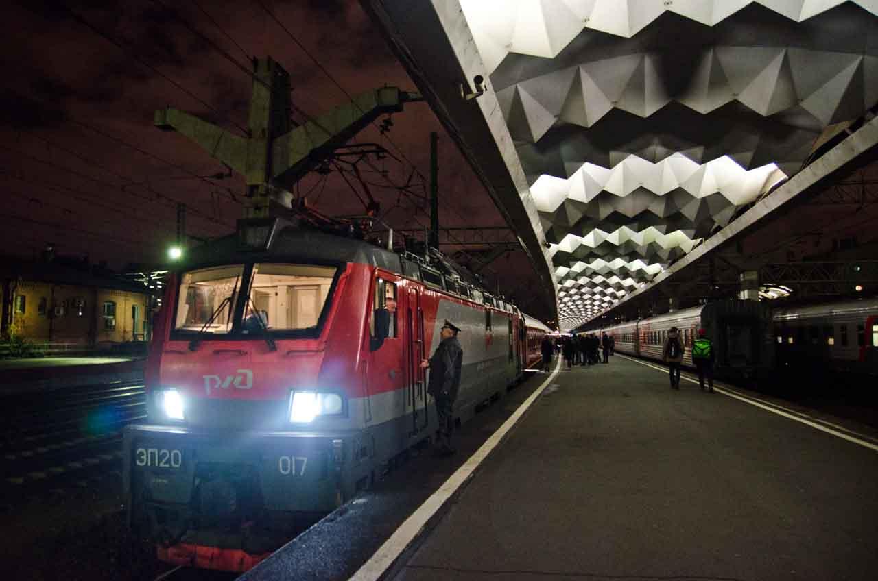 train-stpetersburg-moscow-DSC_3776